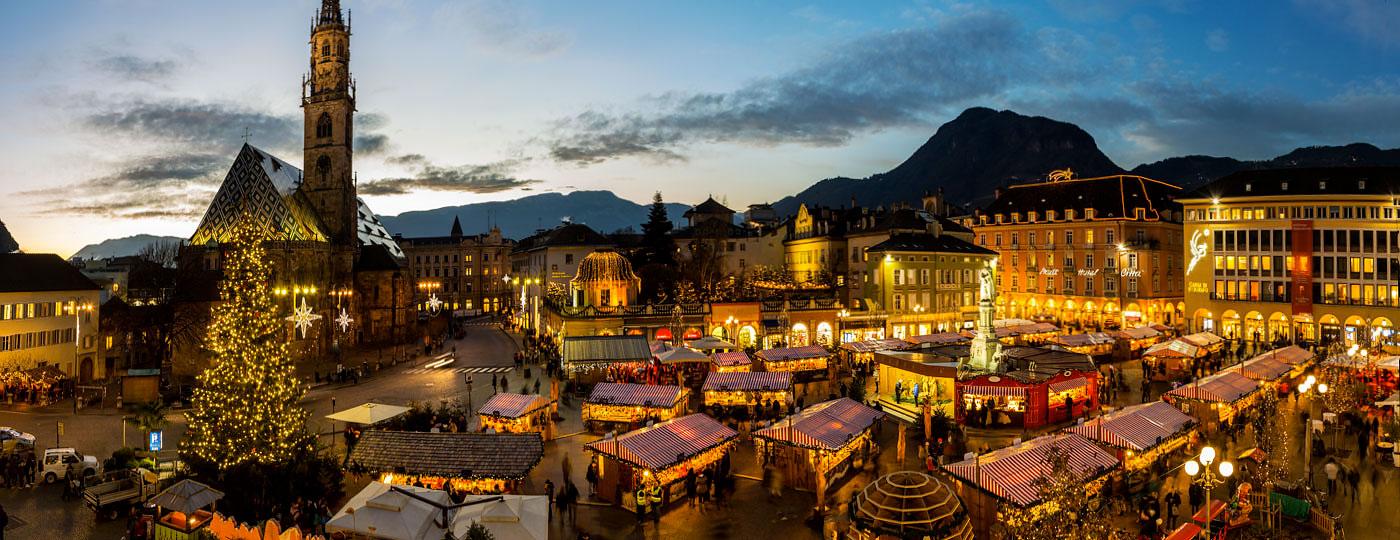 Mercatini Di Natale Bolzano 2018.Mercatini Di Natale Bolzano La Magia Di Piazza Walther